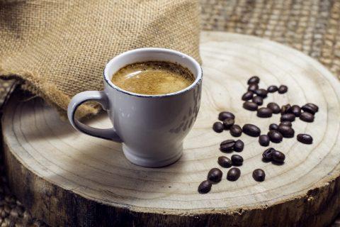 【カフェインレスコーヒー】インスタで人気! 妊娠中・授乳中でも美味しく飲めるオーガニックのデカフェ5選。