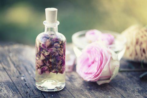 サラッとした使い心地で香りを楽しむ! 春夏のスキンケアにもおすすめな「フローラルウォーター」