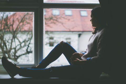 【生理痛・PMS】毎月やってくる憂うつな症状…PMS・生理痛を和らげるアロマとハーブ